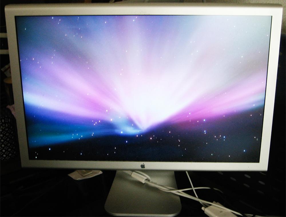 『Apple Cinema HD Display』23インチの画面。